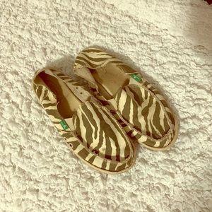 Comfy Sanuk zebra shoes!